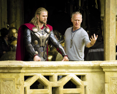 Chris Hemsworth with director Alan Taylor.