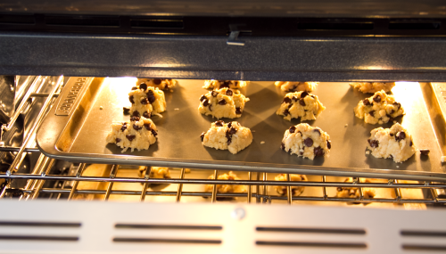 There be chemistry in that there oven!