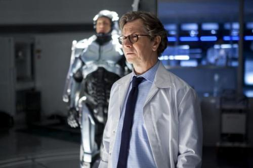 Gary Oldman is amazing as Dr. Norton.