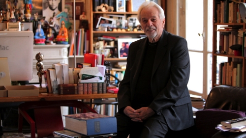 Jodorowsky with one of the two surviving Dune books.
